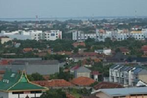 Pemandangan padatnya bangunan Kota Cirebon dari salah lantai tertinggi hotel di Jl. Tuparev Kab. Cirebon.