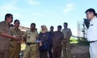 Komisi III DPRD Kabupaten Cirebon meninjau lokasi pembangunan rumah sakit di Desa Pilang Sari Kecamatan Kedawung, hari Selasa (05/05) kemarin.