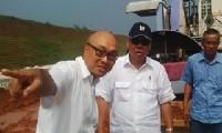 Menteri Pekerjaan Umum dan Perumahan Rakyat RI, Basuki Hadimuljono (tengah).
