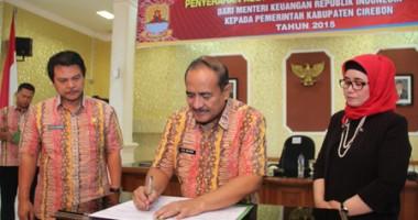 Serah Terima Aset Asing antara Direktorat Jenderal Kekayaan Negara (DJKN) Jabar dengan Pemkab Cirebon.