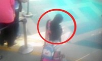 Gambar dari rekaman CCTV Rutan Salemba saat seorang napi pria kabur dengan menyamar menggunakan pakaian wanita (lingkaran)