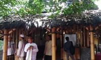 Oleh oleh Mami Khas Cirebon - masjid bambu unik1
