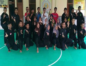 Berita Online Cirebon - Atlet Silat Siapkan Fisik Jelang Popwil