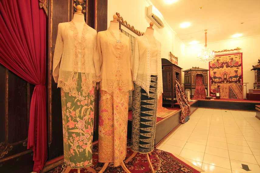 Oleh-oleh Khas Cirebon MAMI - Museum Batik Danar Hadi, Rekaman Perkembangan Batik 12