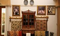 Oleh-oleh Khas Cirebon MAMI - Museum Batik Danar Hadi, Rekaman Perkembangan Batik 3 small